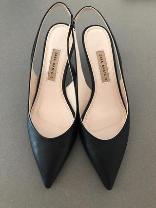 ZARA Zapatos de tacón negros destalonados