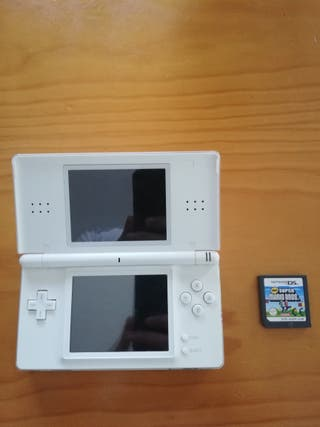 Nintendo DS con super Mario bros