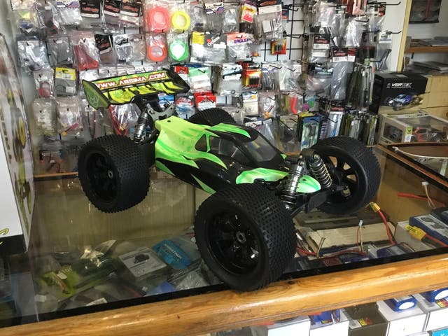 absima tr8ev2 RTR Brushless Buggy