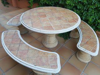 mesa piedra exterior