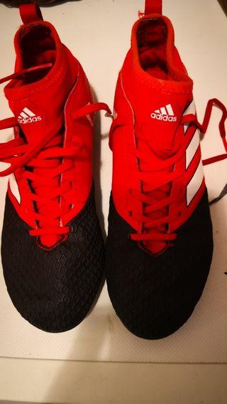 5 pares de botas de fútbol hierba