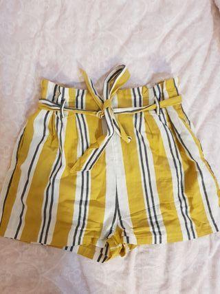 Pantalon corto S Stradivarius
