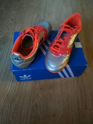 Zapatillas futbol niño talla 37-38,marca adidas