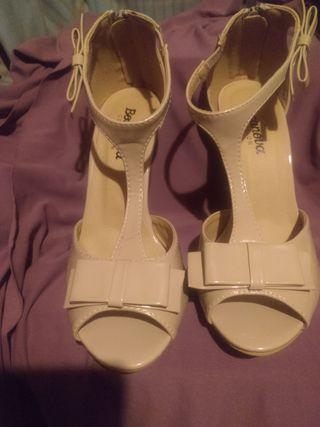 Zapato de tacón Bosanova