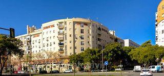 Piso en venta en Parque Alcosa - Jardines del Edén en Sevilla