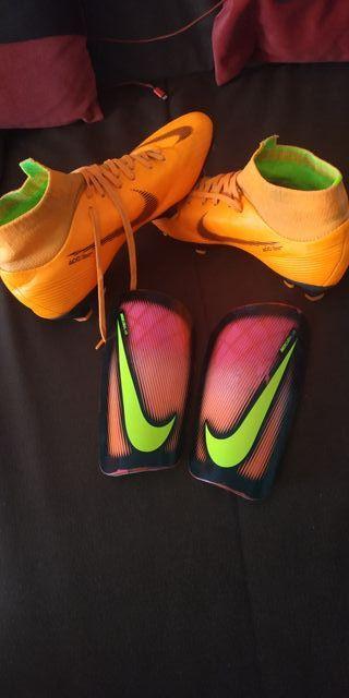 botas de fútbol Nike mercurial 39 y espinilleras