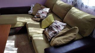 sofá en perfectisimo estado.