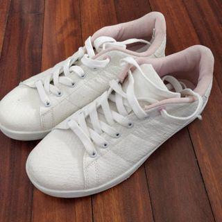 Zapatillas blancas (talla 39)