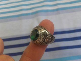Antiguo anillo de Pepe Jeans con esmeralda
