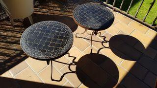 Mesitas de jardin de forja y cerámica