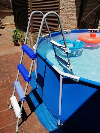 Escalera de piscina desmontable Gre