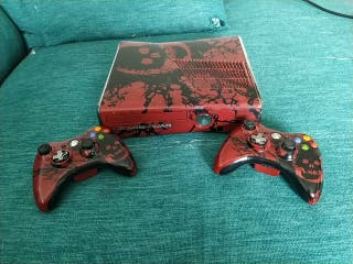 Xbox 360 edición limitada gears of war 3+ mandos