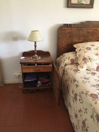 Dormitorio de raíz de nogal