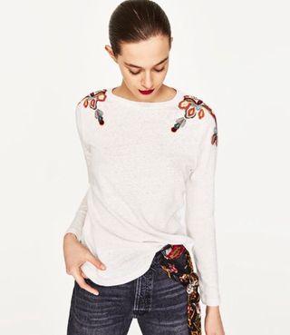 Camiseta Zara hombros bordados T.L