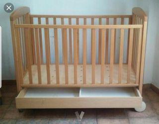 Cuna amplia de madera Prenatal