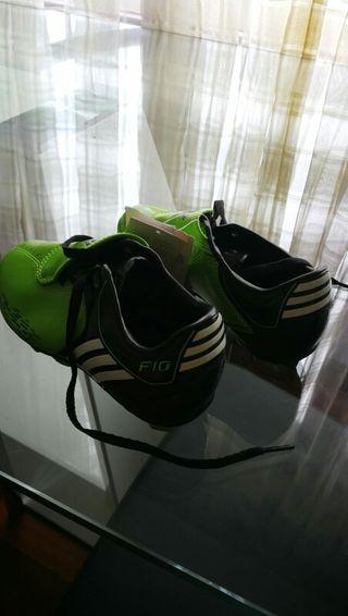 Adidas tacos talla 31
