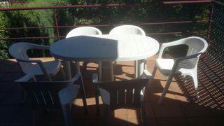 Mesa y 6 sillas terraza