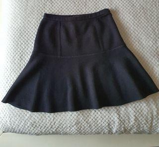 Falda negra talla XS