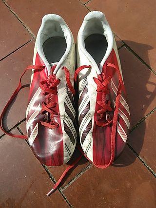 Botas de futbol. Adidas Messi. Talla 35