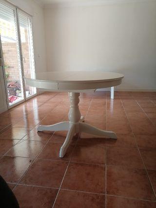 Mesa ikea extensible con 4 sillas