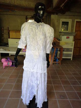 bd753ee7ea Vestido estilo Años 20 de segunda mano en WALLAPOP