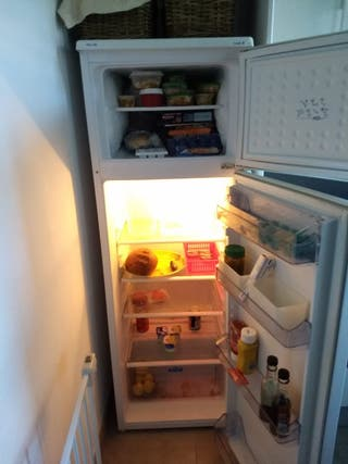 Nevera (combi frigorífico y congelador) Clase A