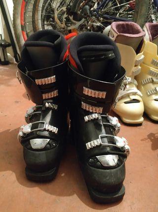 botas negras de esquí