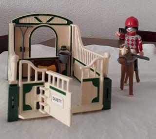 Playmobil cuadra caballos