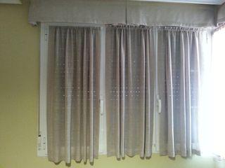 Tres cortinas de 50/110 cm y 130 cm. de altura