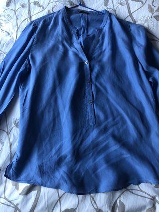 Camisa azul de Seda, Maximo Duti