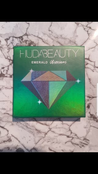 huda beauty emerald obsessions Pallette