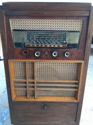 Mueble radio Iberia