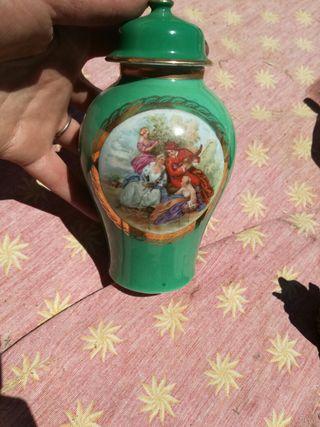 antiguo jarrón