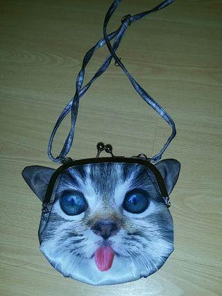 bolso con cara de gato