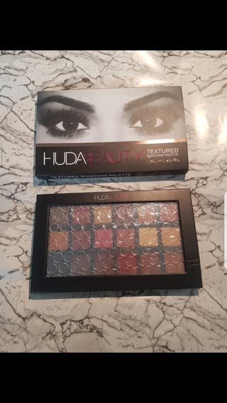 huda beauty textured Pallette