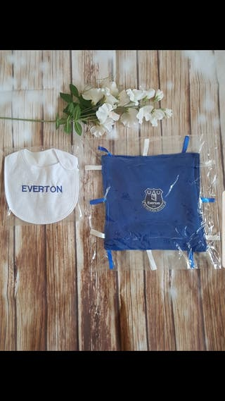 Everton baby set bib and snuggie