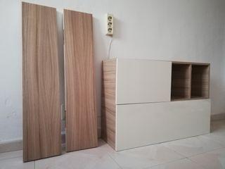 Mueble pared y estanterías para colgar.
