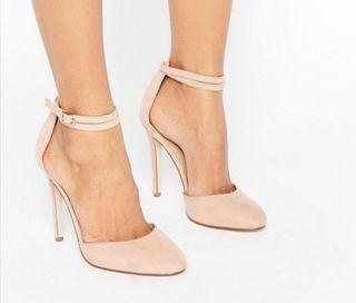 zapato salón ante color nude