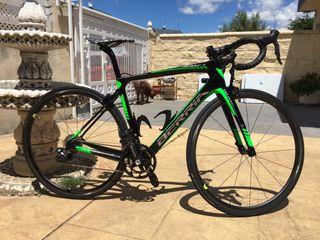 Bicicleta carretera berria belador. carbono.