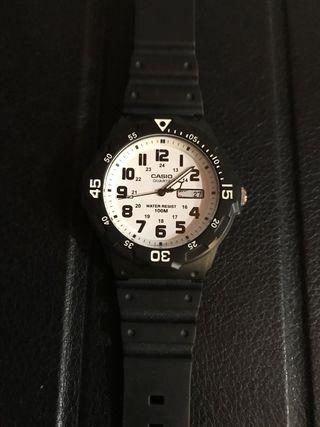 b085b4efa6df Reloj Casio analógico de segunda mano en Madrid en WALLAPOP