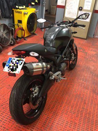 Ducati Monster 696 plus Dark
