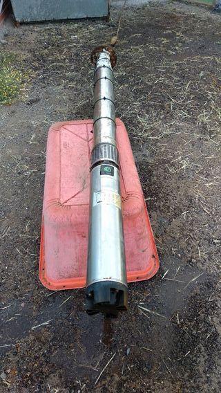 Bomba sumergible 15cv y manguera de 142 metros