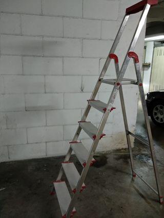 Escalera aluminio 6 peldaños Rolser