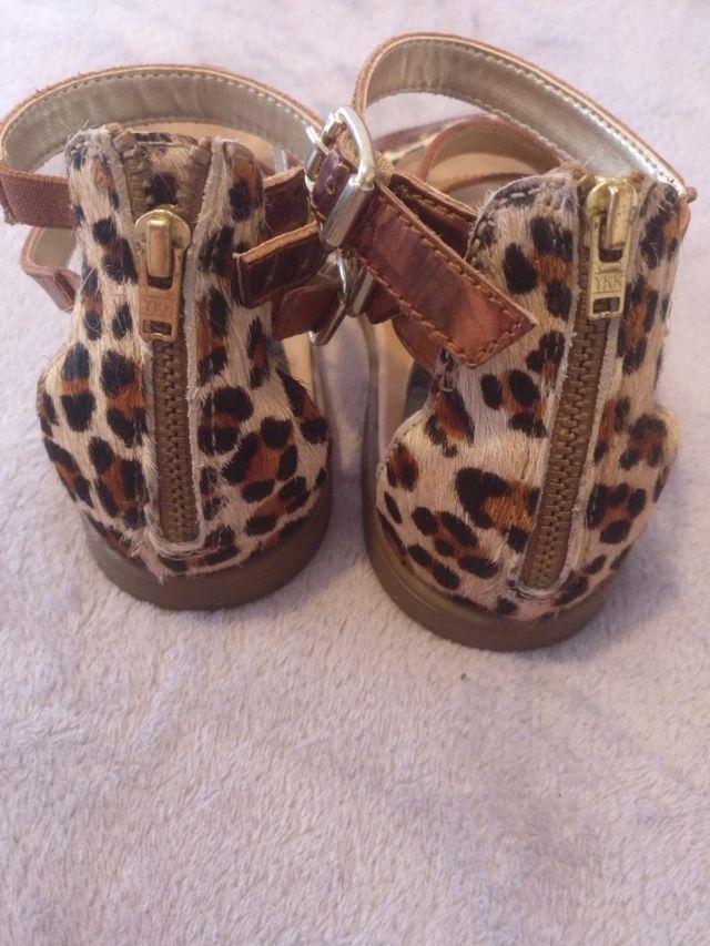 Sandalias de piel niña