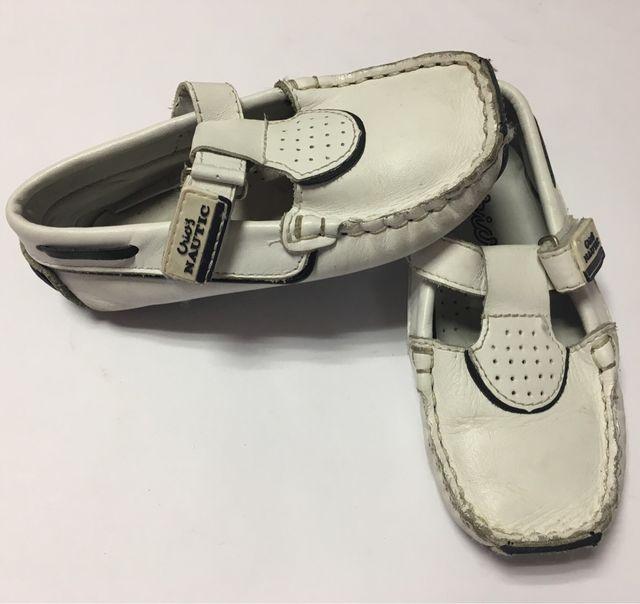 Zapatos blancos número 24