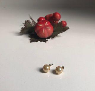 dab3f48200e6 Pendientes con perlas cultivadas de segunda mano en Madrid en WALLAPOP