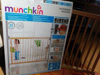 Barrera escaleras Munchkin