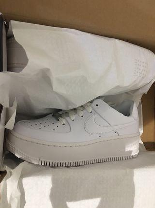 Nike air force 1 blancas talla 35