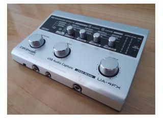 Roland UA-4FX Tarjeta de sonido / audio y MIDI