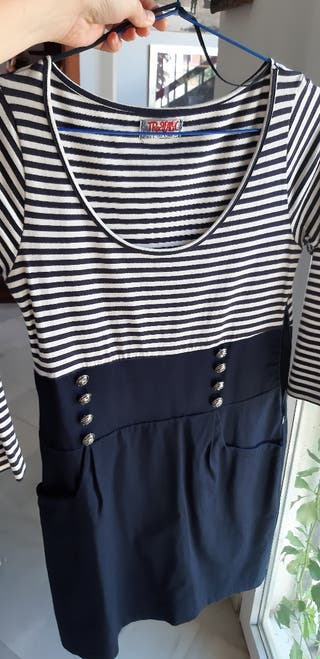 Vestido corto azul de Zara de segunda mano por 5 € en San